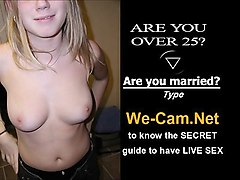 model cam chick orgasm while toying