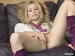 2008-03-19 Heather Vandeven in She's A Credit To The Uniform