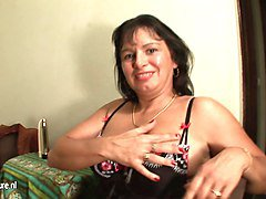 European amateur housewife playing with herself